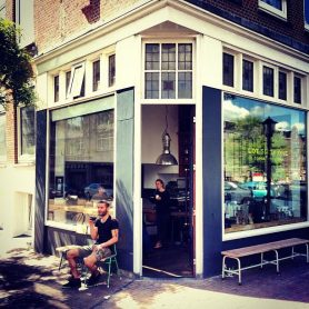 Lot-Sixty-One-Coffee-roasters-Buiten